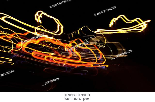 Light art, dynamic, chaotic light traces