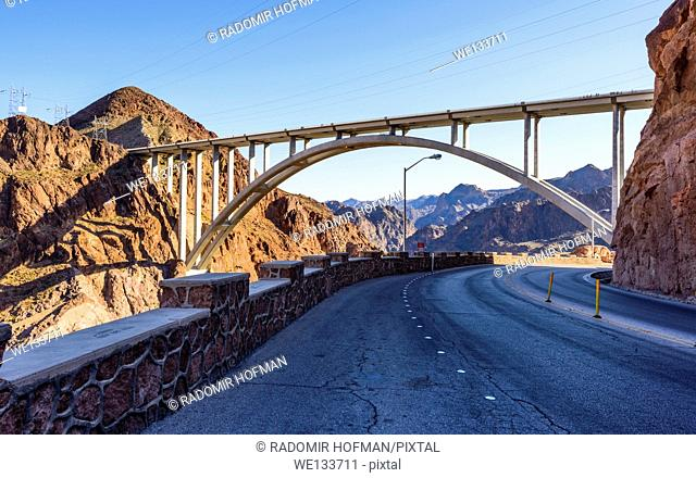 Mike O'Callaghan–Pat Tillman Memorial Bridge, Nevada - Arizona border