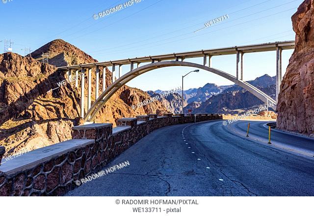 Mike O'Callaghan–Pat Tillman Memorial Bridge, Nevada - Arizona border