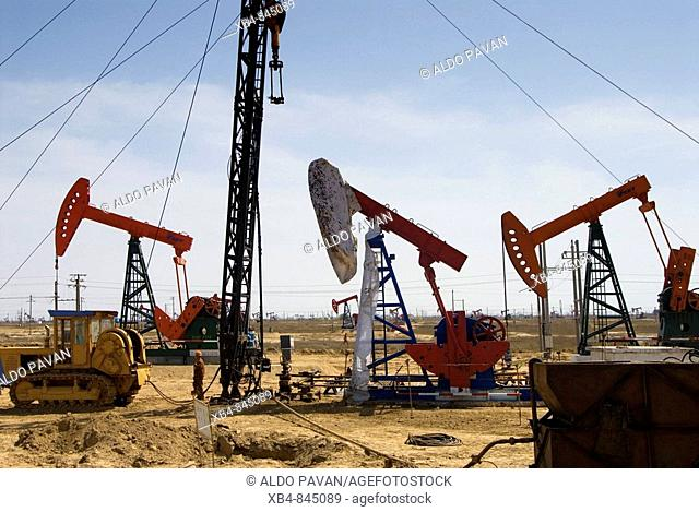 Oil pumps, mouth of the Yellow River, Dongying, Shandong province, China