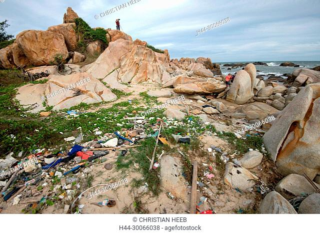 Asia, Asien, Southeast Asia, Vietnam, Southern, Bình Thuan Province, Phan Thiet, polluted beach