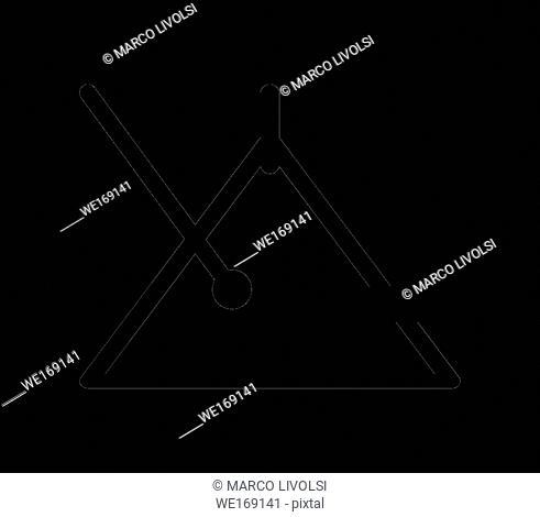 music triangle icon