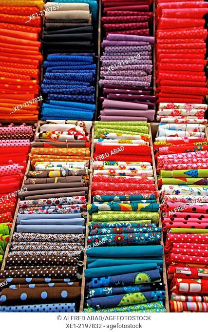 Scraps of textile fibers