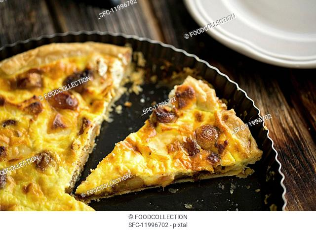 Sliced garlic quiche