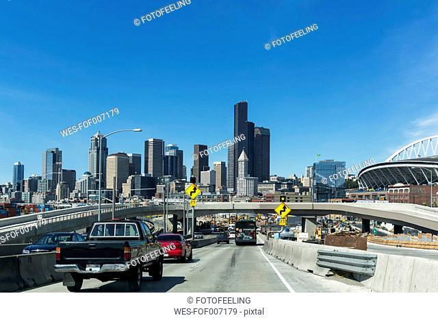 USA, Washington State, Seattle, Interstate 5 and skyline