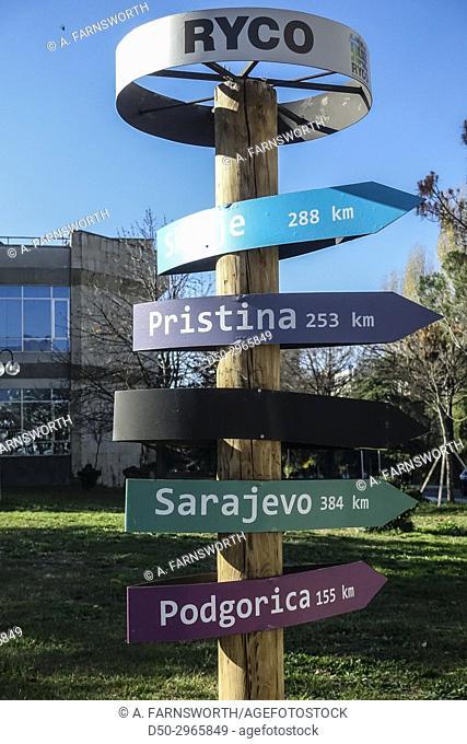 TIRANA, ALBANIA Distance sign