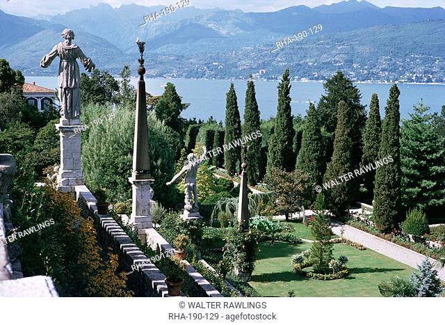 Isola Bella, completed in 1670 for Count Borromeo, Lake Maggiore, Piedmont, Italy, Europe