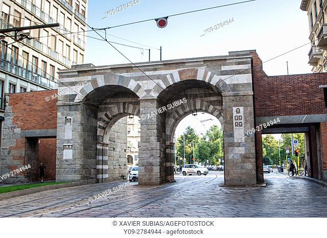 Porta Nuova, Plaza de La Scala, Milan, Lombardy, Italy