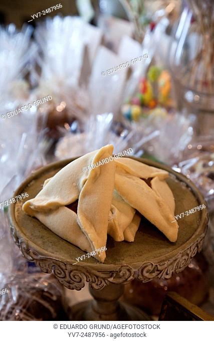 "Traditional pastries Israel. """"Ears of Aman"""" in """"Dulca Temptation"""". Tel Aviv, Israel, Asia"