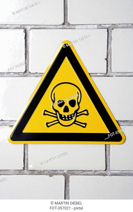 Toxic substance sign with skull and crossbones