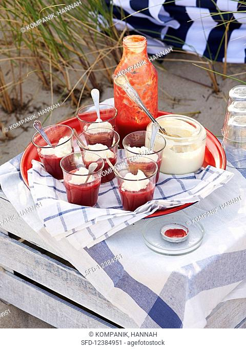 Berry soup with cream