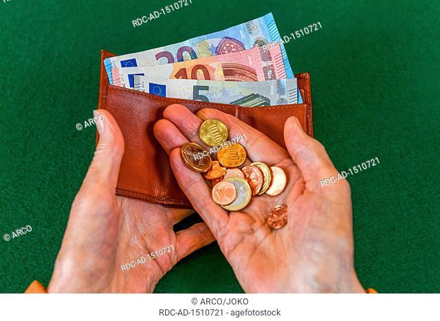 Rente, Seniorin, Haende, Geld, Portemonnaie