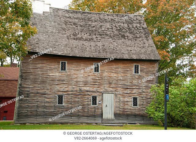 Arnold House (1693), Gateway Park, Lincoln, Rhode Island