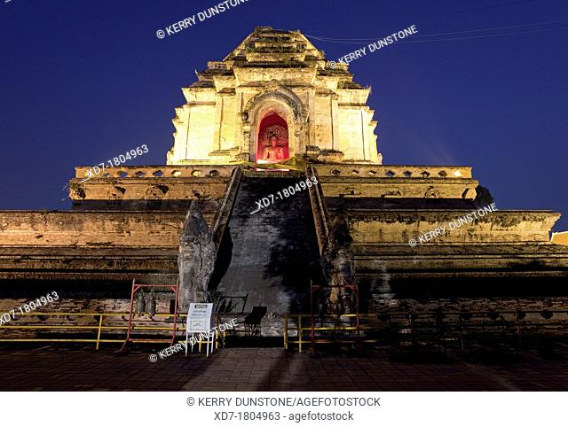 Large central stupa or 'chedi' by Night, Wat Chedi Luang, Chiang Mai, Thailand