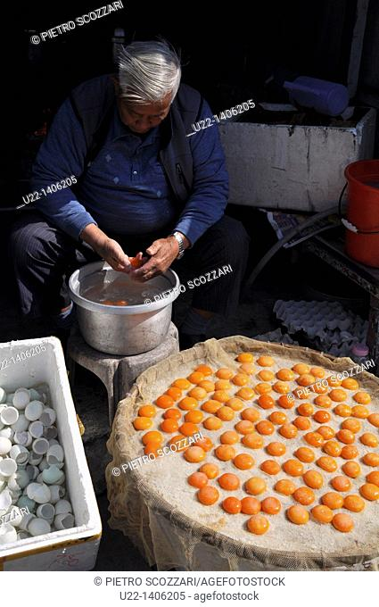 Hong Kong: salty dry yolks, a speciality of Tai O village, on Lantau Island
