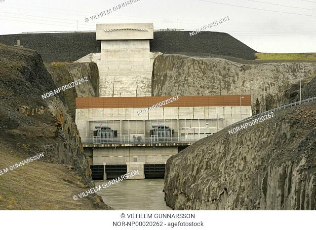 The dam at the hydro Sultartangavirkjun