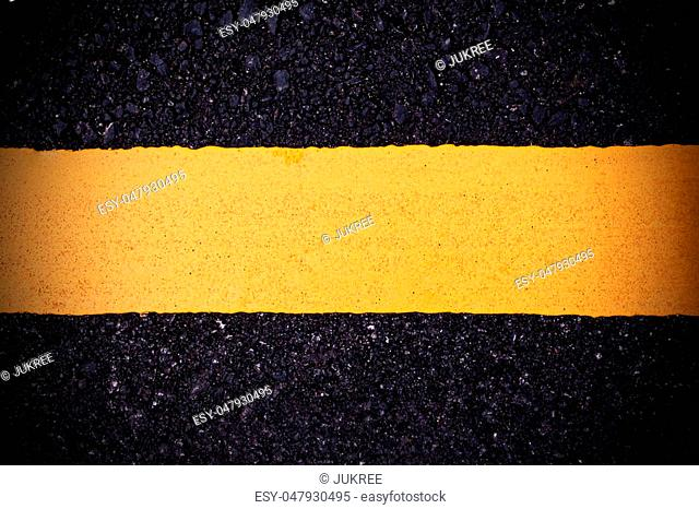 yellow line sign