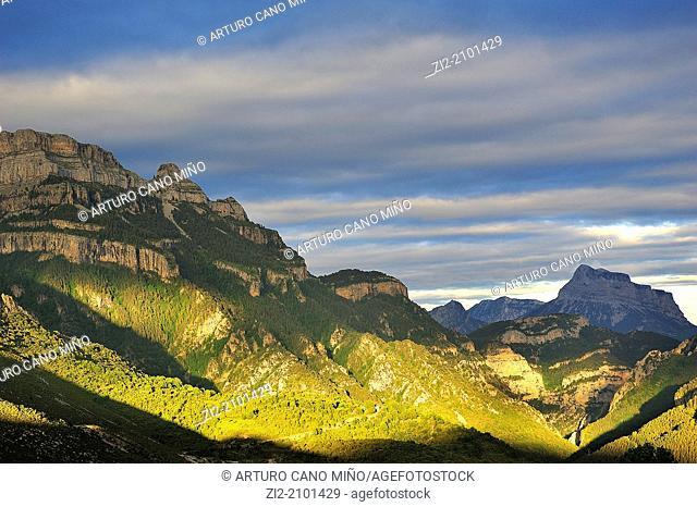 Sestrales and Peña Montañesa at sunset, Aragonese Pyrenees, Huesca province, Spain