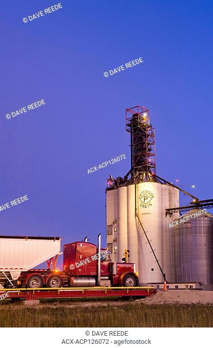 farm truck hauling soybeans to an inland terminal near Winnipeg, Manitoba, Canada