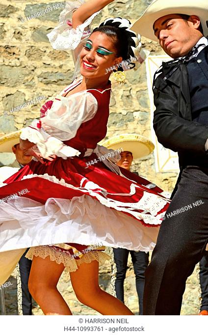 EVOLENE, SWITZERLAND - AUGUST 11: Mexican dancing couple from Guadelupe Omexochitl in the CIME mountain culture Festival: August 11, 2015 in Evolene
