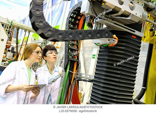 Robotic mobile platform for aeronautical drilling. Researchers working on portable robot to drill holes into aircraft components, Industry