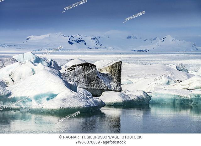 Icebergs in the Jokulsarlon, Breidamerkurjokull Glacier, Vatnajokull Ice Cap, Iceland