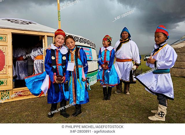 Mongolia, Uvs province, western Mongolia, nomads in the steppe, wedding festival, Dorvod ethnic group