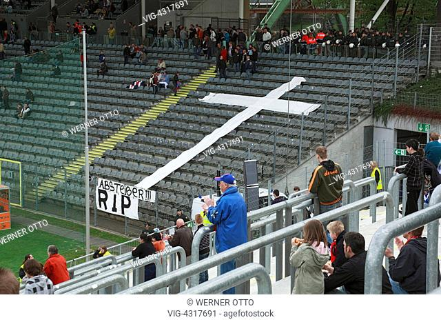 D-Wuppertal, Wupper, Bergisches Land, North Rhine-Westphalia, sports, football, 3rd Liga, 2009/2010, Wuppertaler SV Borussia versus FC Carl Zeiss Jena 1:1