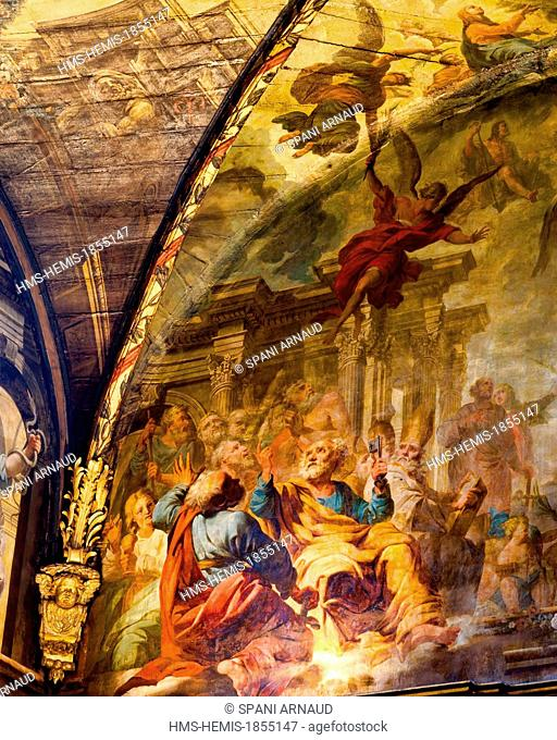 France, Haute Garonne, Toulouse, Carmelite chapel, interior, vertical view murals paintings