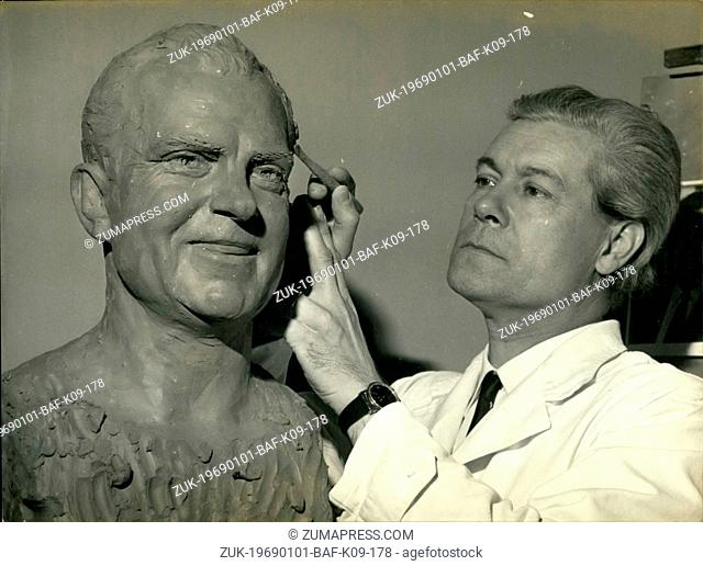 Jan. 01, 1969 - President Nixon joins musee Grevin wax figures.: President Richard Nixon will be the latest inlate of Musee Grevin
