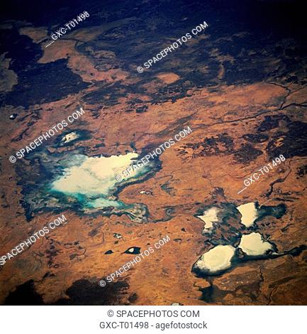 Tarrabool Lake large, light colored feature slightly left of center is located on the western fringe of the Barkly Tableland in northeastern Northern Territory