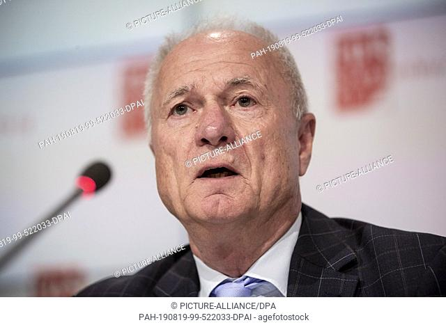 19 August 2019, Brandenburg, Potsdam: Bernd Küpper, state election director of Brandenburg, takes part in a press conference on the preparations for the state...
