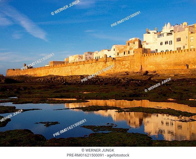 City Wall of Medina, Essaouira, Morocco, Africa / Stadtmauer der Medina, Essaouira, Marokko, Afrika