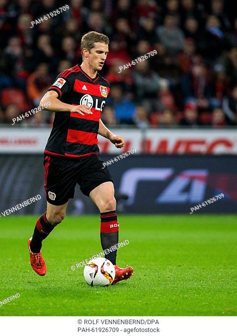 Leverkusen's Lars Bender in action during the Bundesliga soccer match Bayer 04 Leverkusen vs FSV Mainz 05 in Leverkusen, Germany, 23 September 2015