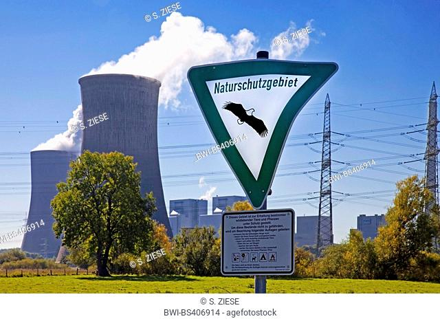 nature reserve sign in front of coal-fired power station Westfalen, RWE Power AG, Germany, North Rhine-Westphalia, Ruhr Area, Hamm
