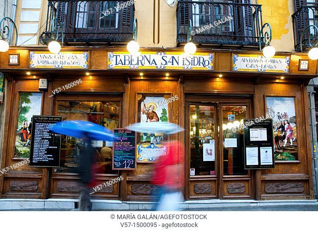 Facade of San Isidro tavern, night view. Madrid, Spain