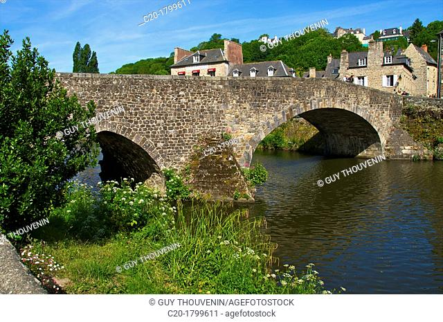 Banks of Rance river, view of old town houses, and the Old Bridge, Dinan, Cotes d'Armor, Brittany, France
