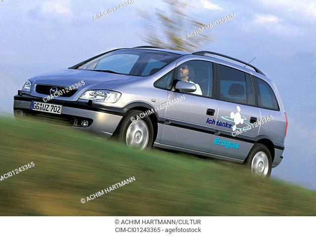 Car, Opel Zafira CNG, model year 2000, Limousine, silver, Natural gas approx., Natural gas car, Natural gas, Impulse, driving, diagonal from the front