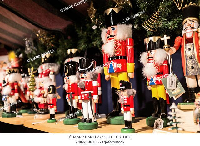 Europe, Germany, Berlin, Nutcracker, Soldier, A variety of traditional nutcracker figures The Nutcracker and the Mouse King German: Nussknacker und Mausekönig...