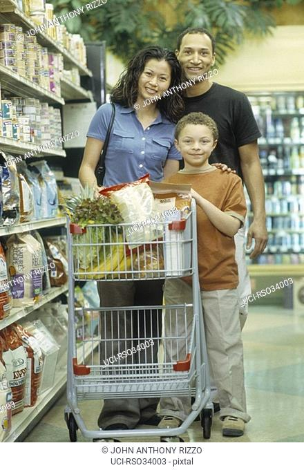 African family grocery shopping