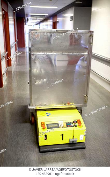 Robots and trolleys to transport meals from the kitchen to hospital rooms. Hospital Universitario Gran Canaria Doctor Negrin, Las Palmas de Gran Canaria