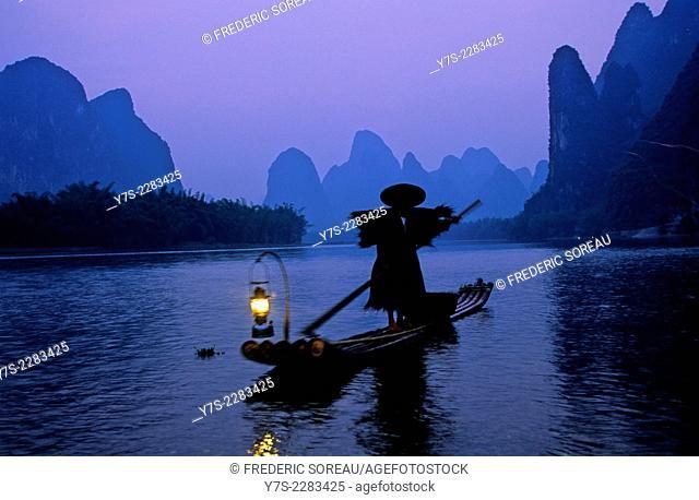 Karst mountain landscape and Li River, Yangshuo, Guilin, Guangxi Province, China