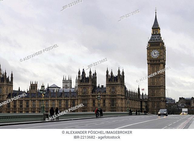 Palace of Westminster, Big Ben clock tower, Westminster Bridge, cloudy, London, South England, England, United Kingdom, Europe