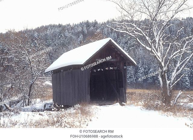 covered bridge, winter, Plainfield, Vermont, VT, Martin Covered Bridge in the snow in Plainfield in winter