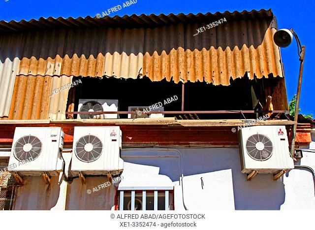 air conditioners, industrial polygon, plaza del Nou, Zona Franca, Barcelona, Catalonia, Spain