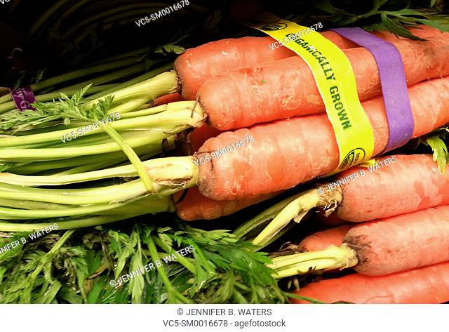 Organic carrots for sale