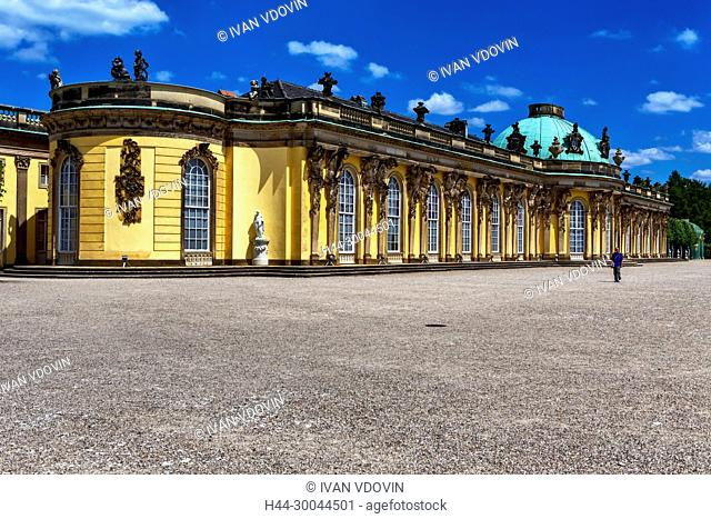 Palace (1747), Georg Wenzeslaus von Knobelsdorff, Sanssouci, Potsdam, Brandenburg, Germany