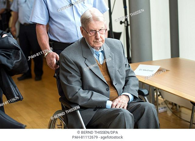 Defendant Reinhold Hanning sitting in the court room in Detmold, Germany, 11 June 2016. The 94-year-old is accused of complicity in murder in at least 100
