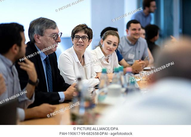 17 June 2019, Berlin: Annegret Kramp-Karrenbauer (3rd from left), Chairwoman of the CDU, talks together with Abraham Lehrer (2nd from left)