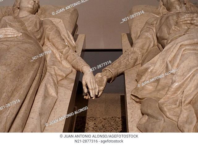 Tomb of Los Amantes de Teruel -Lovers of Teruel- Detail in San Pedro Church. Teruel, Aragón, Spain, Europe